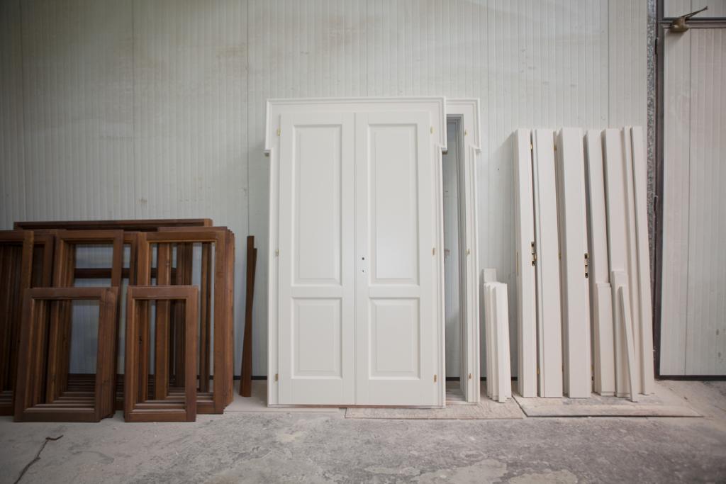 restauro infissi in legno Bologna