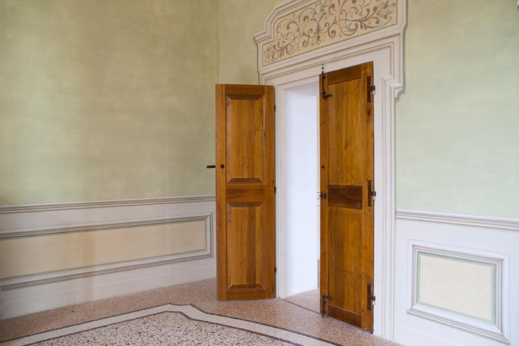 porte per palazzi storici modena