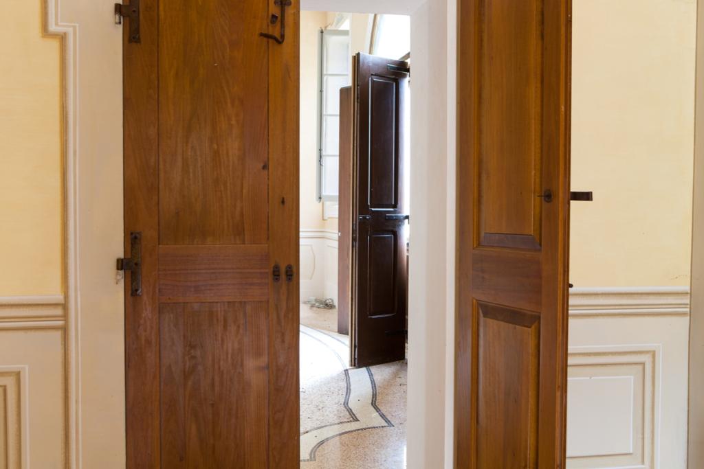 porte per palazzi storici Bologna