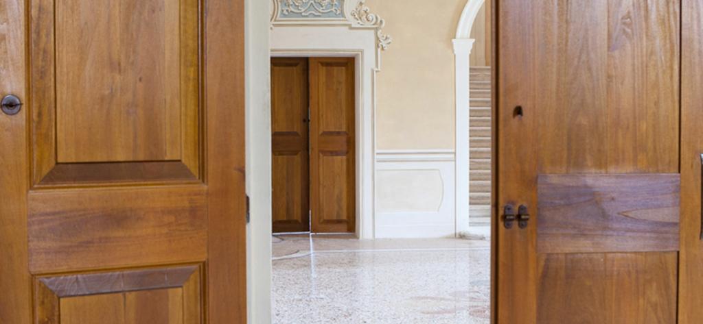 portoni per palazzi storici Bologna